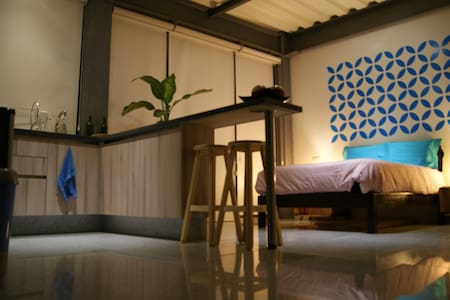 Central, modern, cozy, bright, perfect for couples - Apartemen
