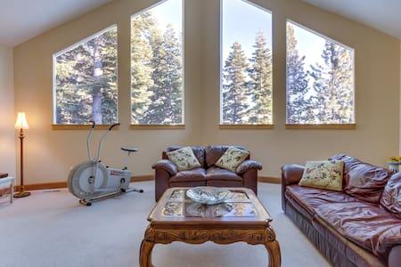 Lake Tahoe comfortable bedroom - Carnelian Bay - Bed & Breakfast