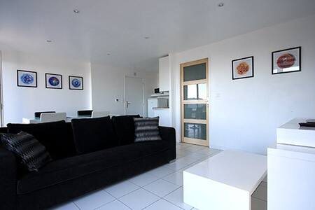 Apartment & use of pool in Montbolo - Montbolo - Apartment