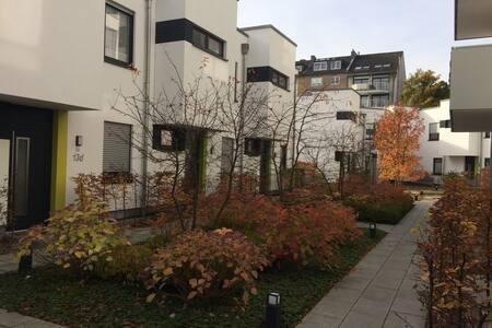 Apartment within walking distance to Königsallee - Düsseldorf