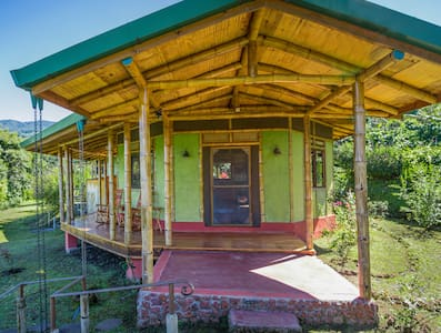 Bamboo house on coffee farm in Central Valley - San Pedro de Poás - House