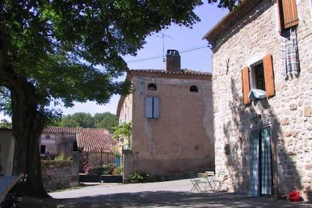 Maison près de Cordes-sur-Ciel - House