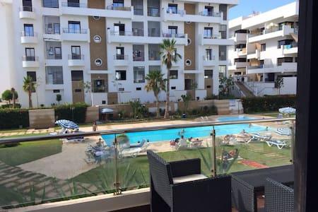 Appartement vue sur piscine - Apartmen