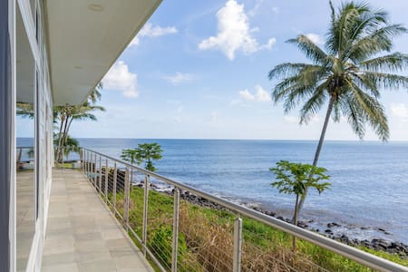 New Listing! Oceanfront room - walk to downtown - Fil