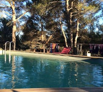 Villa d'archi / piscine en provence - Peypin