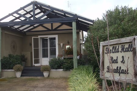 the old hall bed and breakfast - Jugiong - Bed & Breakfast