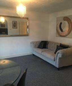 Luxury High Street Apartment - Rochester