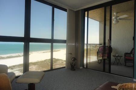 Beachfront ! Clearwater/Sand Key Beach - SPECIAL! - Appartamento