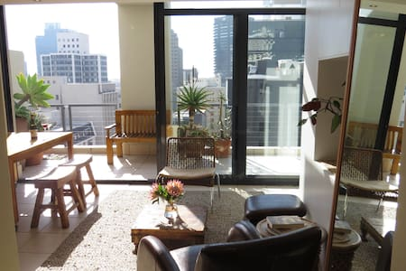 Urban Aerie 1br flat in central Cape Town - Lejlighed