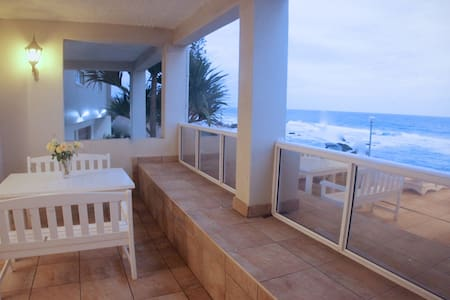 Umdloti beach front apartment - memorable holidays - Apartment
