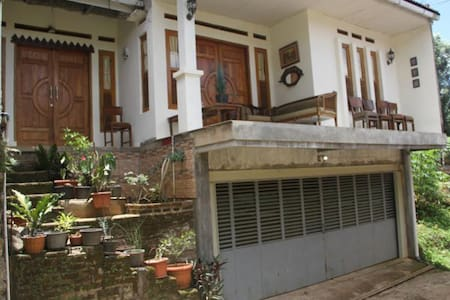 Villa in Bandung for freshening mind and soul - Ev