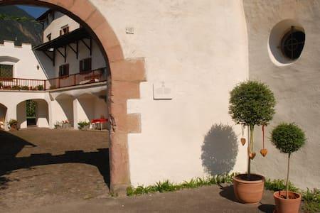 Apartment Goldblick, Benvenuti nel Castello - Lana