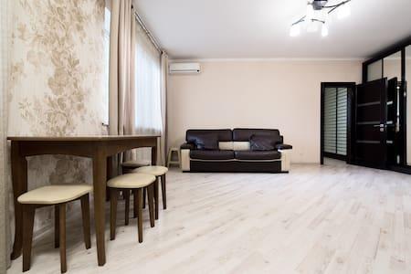 Изящная 2-комнатная квартира в центре Одессы - Lakás