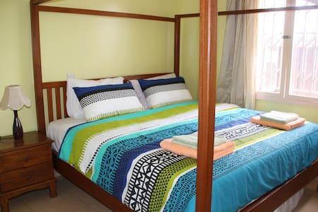 BAZINGA MAWANDA HOUSE-2BR/1BATH - House