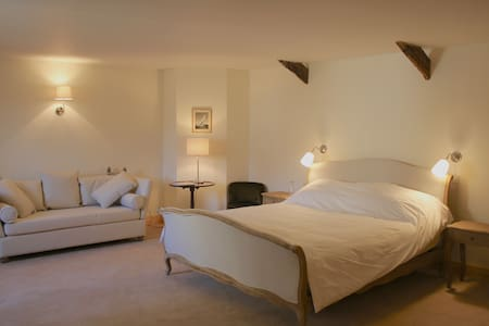 Cragend Grange 'Armstrong Wing' next to Cragside - Bed & Breakfast