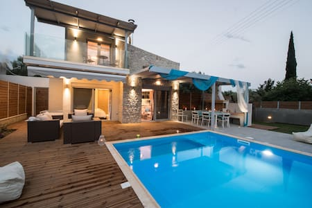 LUXURY VILLAS LEFKAS WITH PRIVATE POOL - Villa