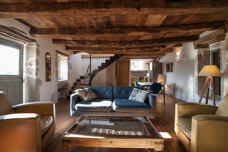 Naudou - Magnifique maison en pierre - Casa