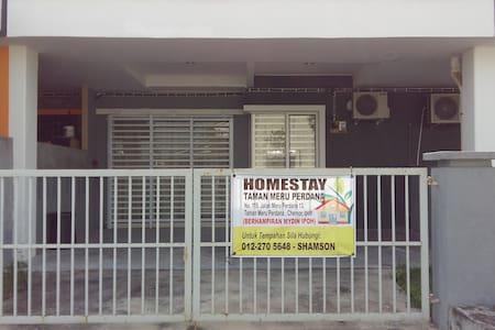 Homestay Meru Perdana - House