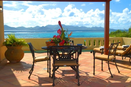 Fletch's Cove Oceanfront Villa, Romantic&Tranquil - Villa