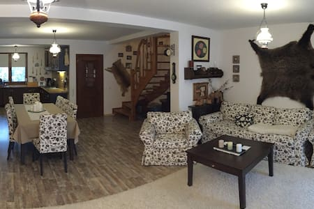 Mountain View Guesthouse - Predeal - Villa