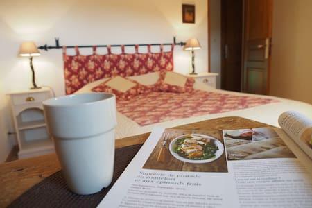B&B in Provence:  Bedroom Iris - Inap sarapan