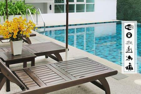Poolview 1BR WiFi Downtown Asoke SUKHUMVIT16 - Bangkok - Wohnung