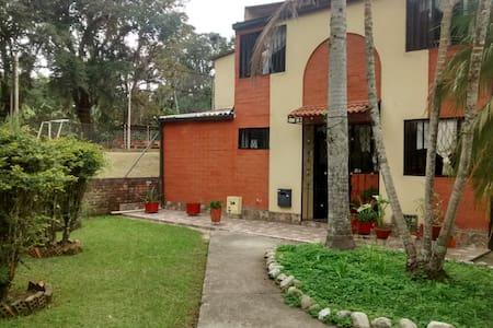 Confortables habitaciones Popayán - Ház