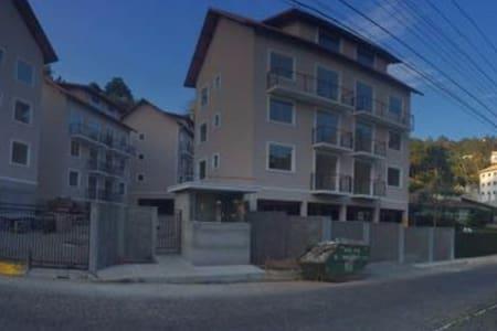 Aluguel Temporada Condomínio  em Nova Friburgo - Wohnung
