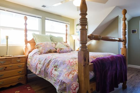 Wine Country Retreat | Private Upper Level - Haus