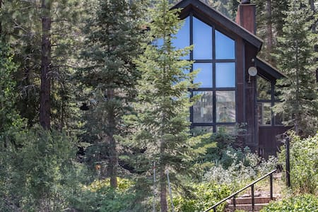 Forest Lodge in Alpine Meadows - Stuga