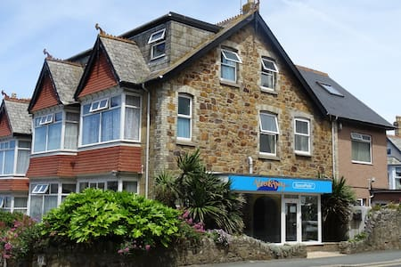 Double room with ensuite in AbreakAway Lodge - Newquay - Asrama