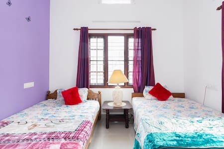 Comfortable and Convenient stay at Kochi - Vypin