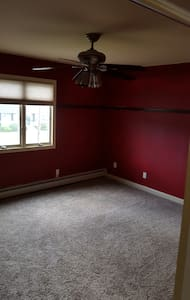 Clean, Spacious, bright and affordable 2nd Fl - Deer Park - Ev