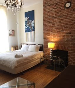 Great Room - Historic Home - Bed & Breakfast