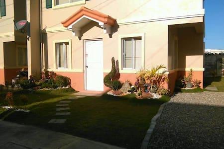 3 Bedroom House - Casa