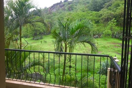 Spacious Holiday Bungalow in Lonavala- 5star - Bungaló