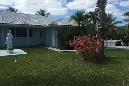 Comfortable Home in Port Lucaya - Freeport - House