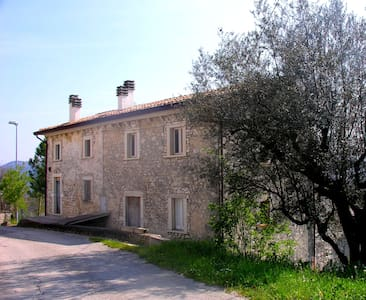 """Ai Limiti"" - Abruzzo Country House - Appartement"