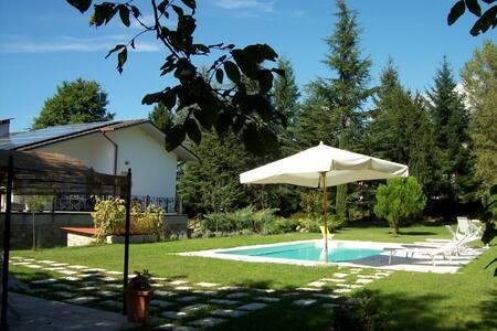 appartamento in villa vicino le 5 terre con piscin - Villa
