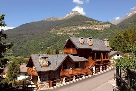 Chalet Traviolo - Luxurious flat with parking - Lejlighed