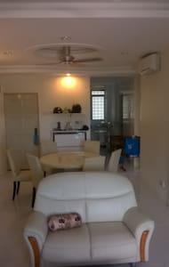 Sunny, light,comfortable apartment. - Lakás