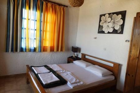 Διαμέρισμα πάνω στην παραλία του Πλατανιά - Platanias