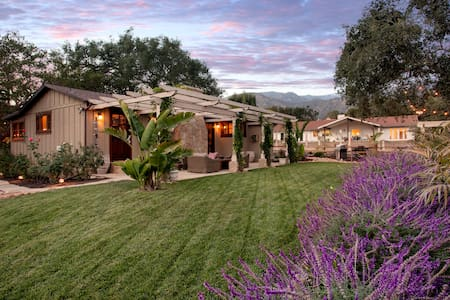 Storybook Montecito Cottage - Montecito - House