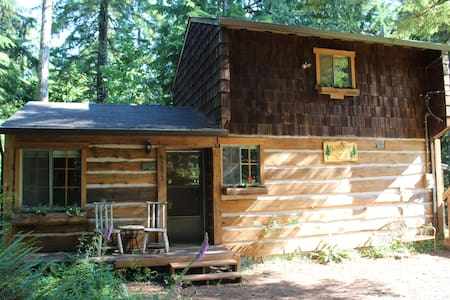 Rustic Sandy River Cabin  - Rhododendron - Blockhütte