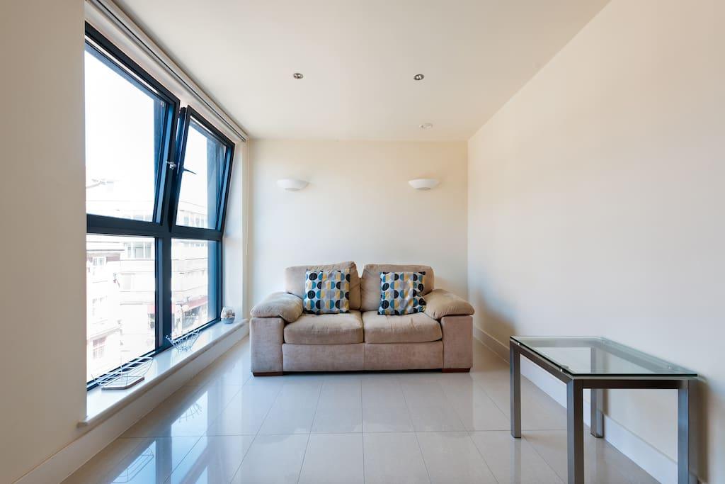 Modern City Centre Apartment