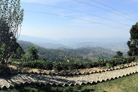 Whispering Valley - Majkhali - Szoba reggelivel