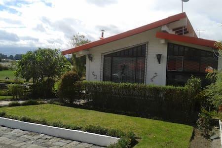 Casa de Campo fuera de la ciudad - Latacunga - Ev