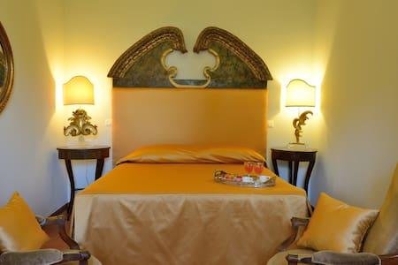 Suite in historic Villa in Perugia - San Vitale - Villa