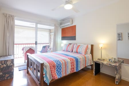 Light and Airy Double Bedroom - Apartmen