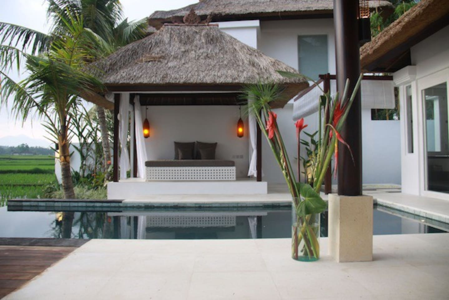 The outdoor daybed and private pool